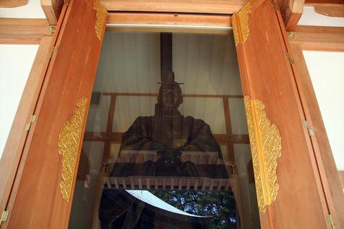 亀山上皇尊像